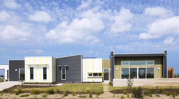 With all living spaces located to the north, Cutlers is naturally lit and requires minimal heating and cooling. The cladding is a combination of Weathertex, Colorbond and silvertop ash board and batten features, chosen for their durability and environmental ratings.