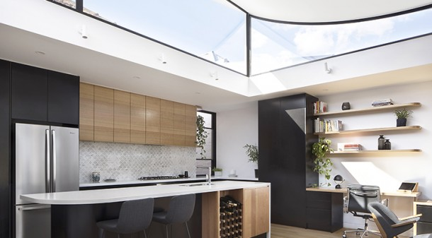 More than just a solution to the challenge of admitting northern light into the southern extension, the curved, 'floating' roof at Curvy House gives the sense of playful creativity that the clients were looking for.