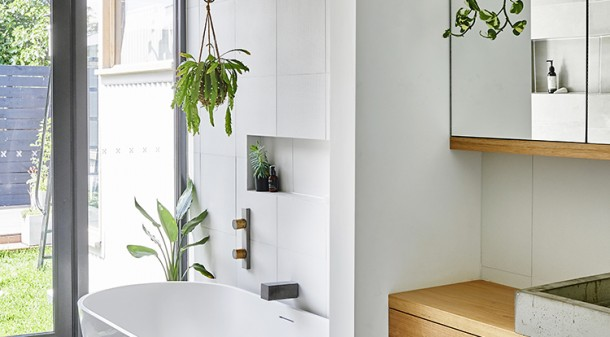 The plants were selected for their air filtering capacities, and the house is even equipped with a gadget that monitors VOCs and lets the residents know when they should ventilate.
