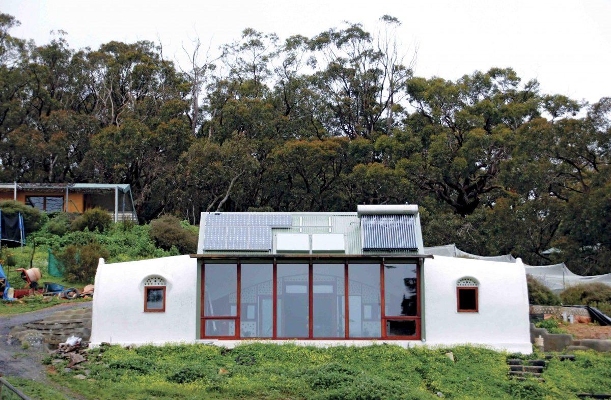Amateur construction and owner-built home