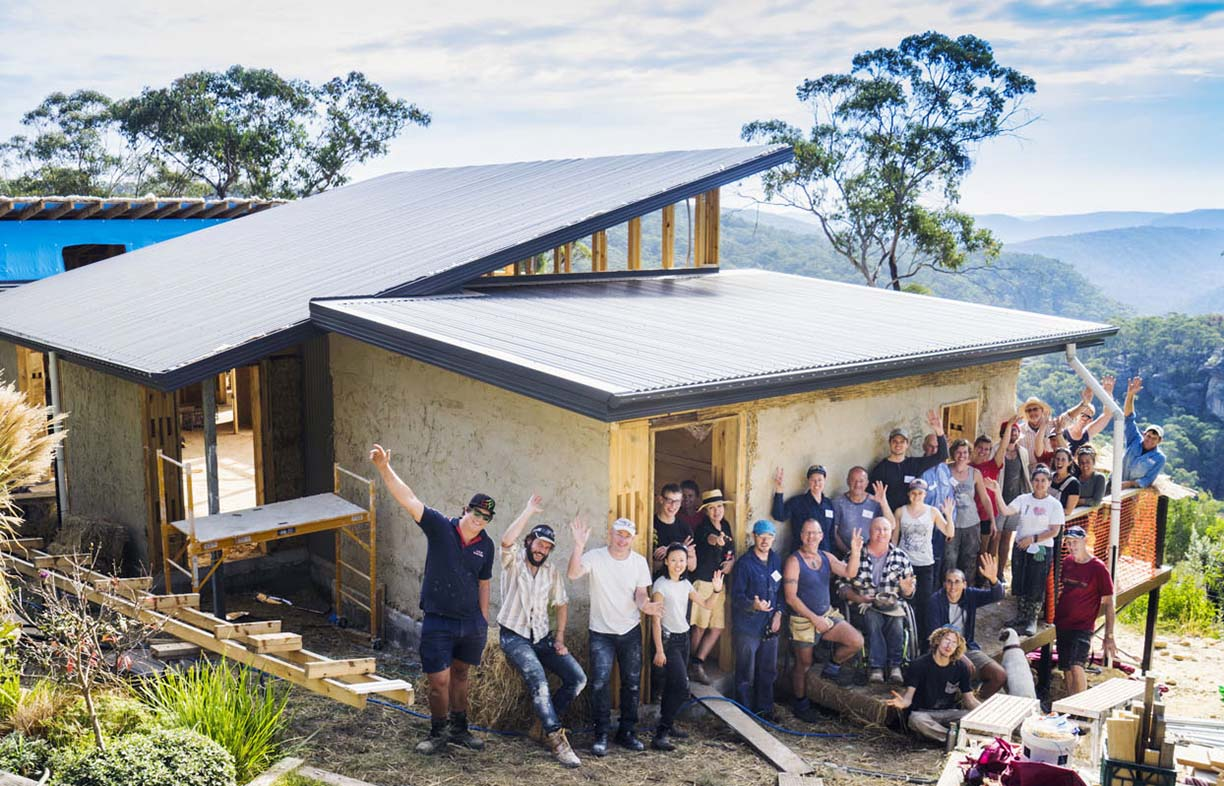 Blue Mountains strawbale workshop, cob walls, solar passive, natural retreat, lime render, clay render, sustainable, off grid, bushfire zone