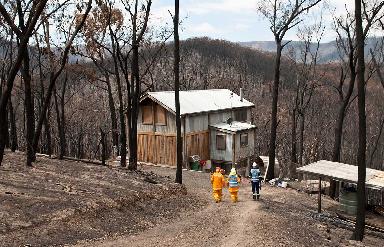 As part of ongoing work to better understand design for bushfire regions, Bushfire CRC researchers visit a property which survived the Black Saturday fires. Image: Nick Pitsas, scienceimage.csiro.au