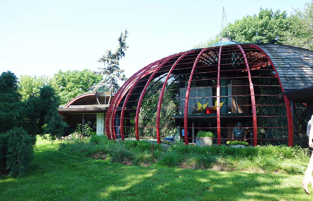 The historic, dome-shaped Sam and Ruth VanSickle Ford House in Aurora, Illinois USA, was designed by renowned US architect Bruce Goff to have outside rooms. Goff was an influential figure in the organic movement. Image: Caroline Pidcock