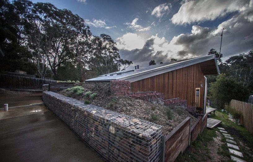 Urban earth house