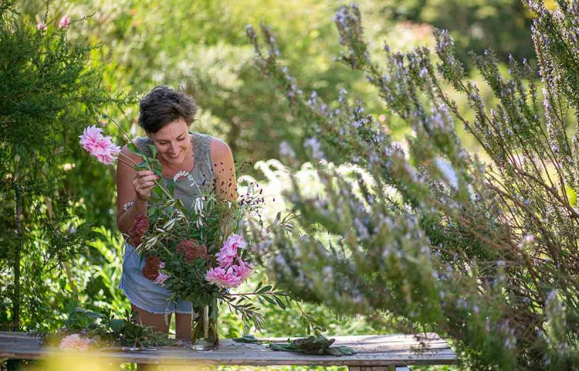 Nourished by nature: Garden design for mental  health and wellbeing